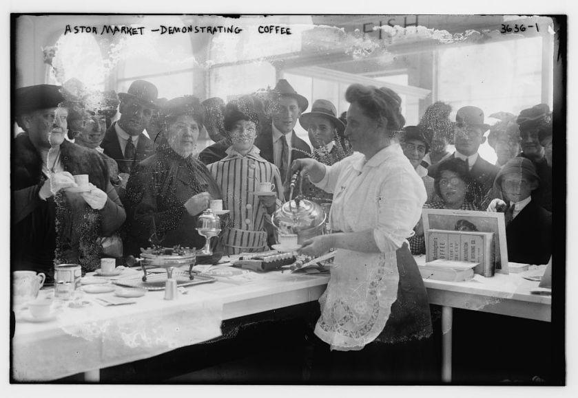Astor_Market_demonstrating_coffee_in_Manhattan_in_1915
