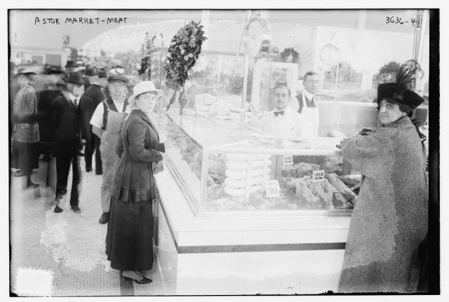 Astor_Market_meat_counter_in_Manhattan_in_1915